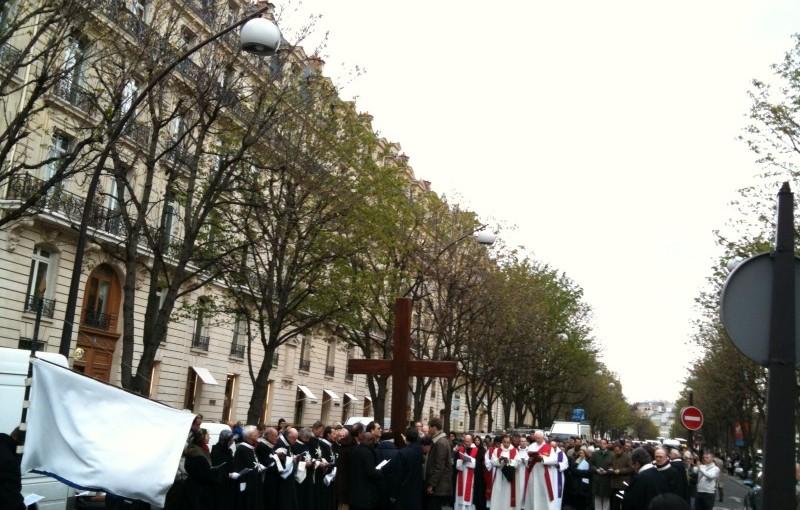 Chemin de croix dans Paris