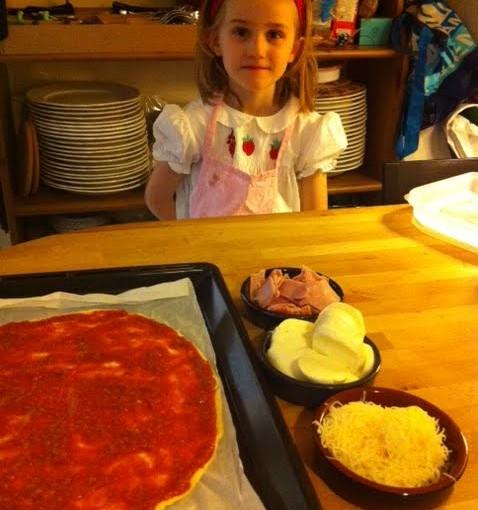 Violette est une pizzaïolo accomplie