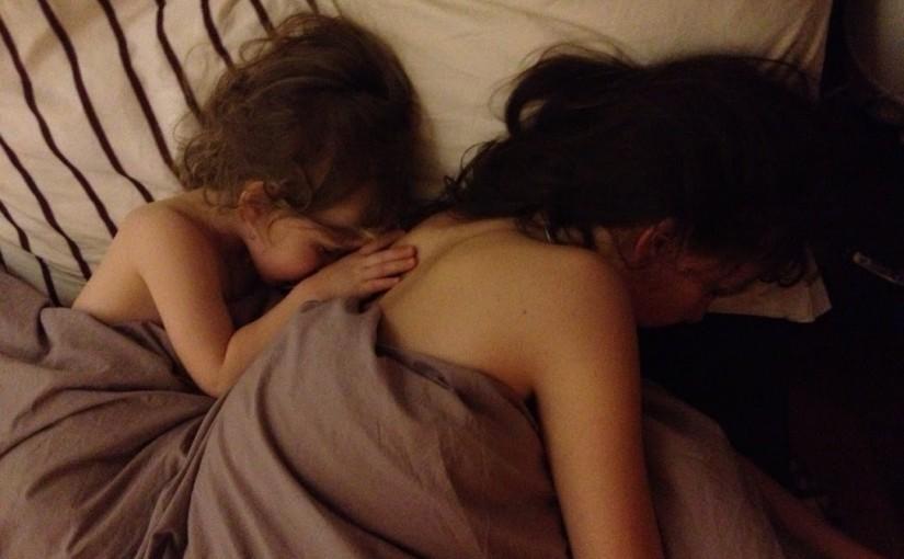 2 filles dans mon lit
